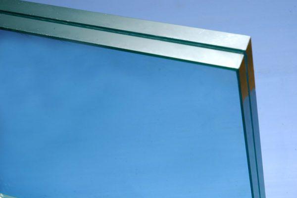 شیشه های لمینت ساختمانی